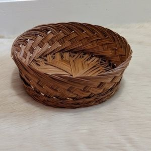 Vintage round wicker basket.